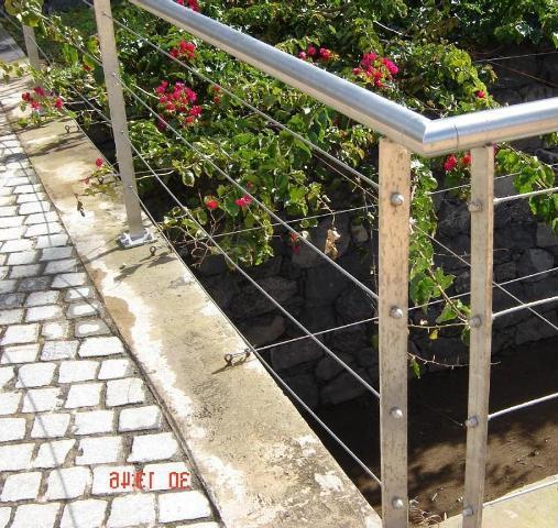 Les garde-corps en inox pour construire durable et écologique
